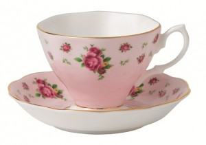 Royal Albert New Country Roses Pink Formal Vintage Teacup and Saucer Boxed