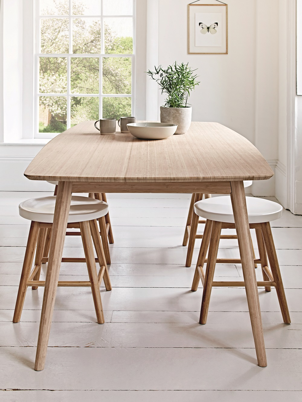 Scandinavian style dining room furniture homegirl london for Dining room styles 2016